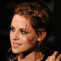 Headshot-of-kristen-stewart-attending-the-cinema-society-screening-of-the-twilight-saga-eclipse crop