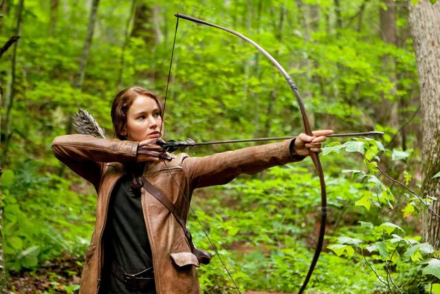 File:Jennifer-lawrence-stars-as-katniss-everdeen-in-the-hunger-games.jpg