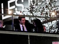 19Robert-Pattinson-and-Kristen-Stewart-Kissing-052312-580x435