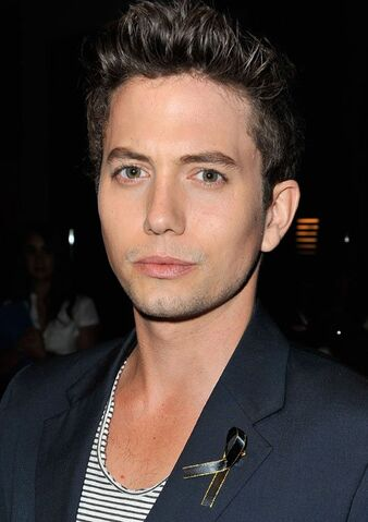 File:-The-Twilight-Saga-Breaking-Dawn-Part-2-VIP-Comic-Con-Celebration-Sponsored-By-Fandango-jackson-rathbone-31443975-500-709.jpg
