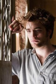 01 robert pattinson2