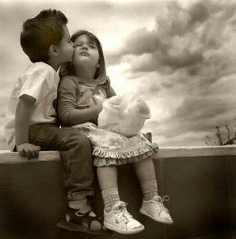 File:Baby-Boy-Kissing-on-Girl-Face (1).jpg
