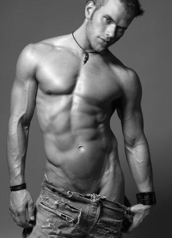 File:Hottest Kellan Lutz Photo YET!.jpg