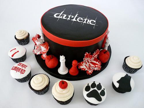 File:Twilight-saga-cake-09.jpg