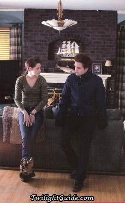 File:Bella-edward-couch.jpg