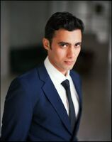 Arash-modeling-Hannes-Caspar2