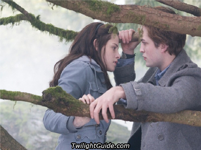 File:Bella-Edward-twilight-series-3309013-400-299.jpg
