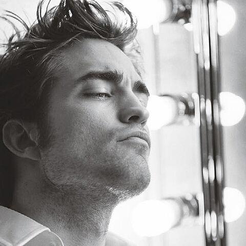 File:Robert Pattinson 8.jpg
