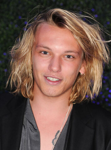 File:65397702webcrep71201115117PM-jamie campbell bower.jpg