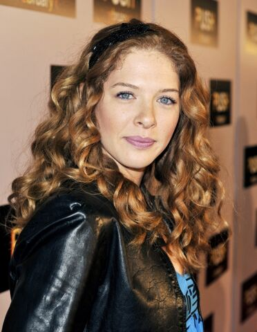 File:Twilight-star-rachelle-lefevre.jpg