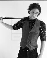 Jackson-rathbone-photoshoots-twilight-series-3830273-530-650