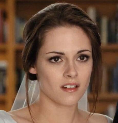File:Breaking Dawn Part 1 - Bella.jpg