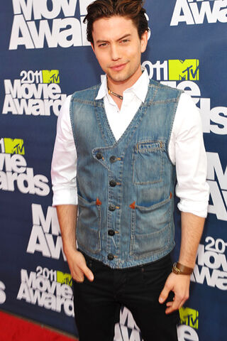 File:11 jackson rathbone.jpg