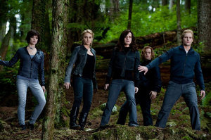 File:300px-The Cullens In Eclipse.jpg