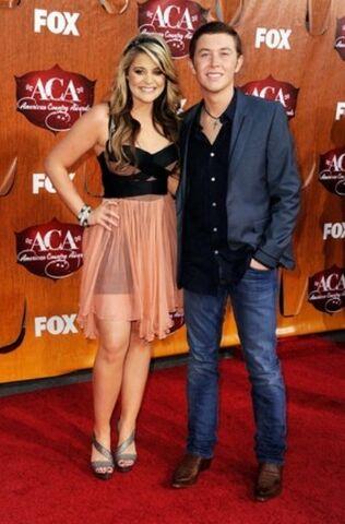 File:Lauren-Alaina-Scotty-McCreery-2011-American-Country-Awards-PHOTOS.jpg