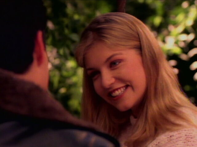 File:Her smile.jpg