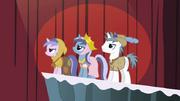 640px-Unicorn ponies S2E11