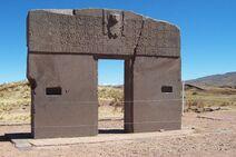 800px-Zonnepoort tiwanaku