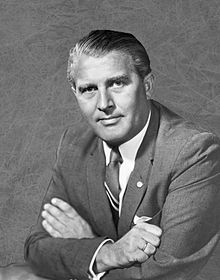 File:Wernher von Braun 1960.jpg