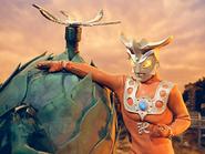 Kendoros v Ultraman Leo
