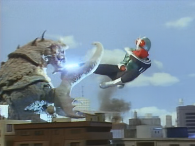 File:Sasori Gadoras vs Kamen Rider.png