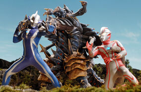 Mebius and Hikari vs Dinozaur Reverse