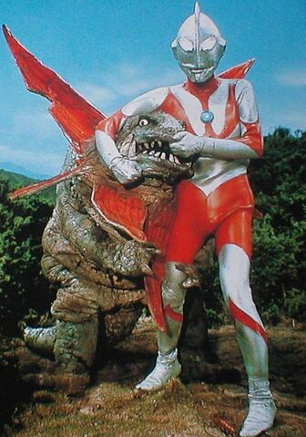 File:Gabora vs Ultraman.jpg