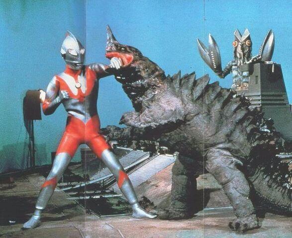 File:Ultraman vs Neronga & Alien Baltan.jpg