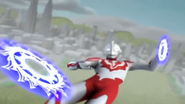 Ultraman Ribut Saw-toothed Discs 001