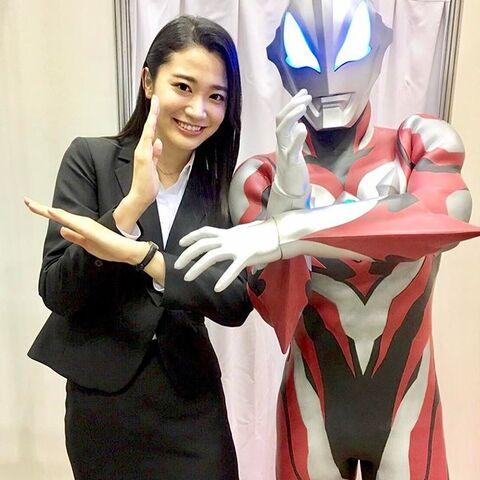 File:Mayu with Geed.jpg