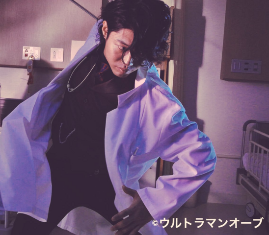 File:Juggler doctor coat II.png