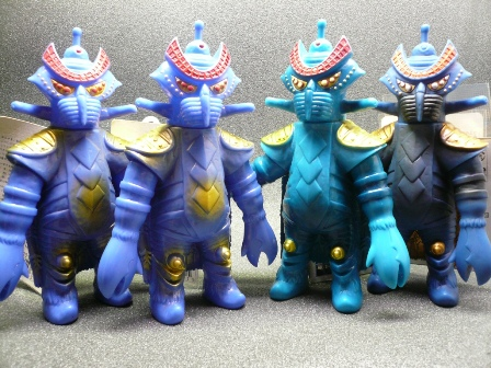 File:Alien Temperor toys.jpg