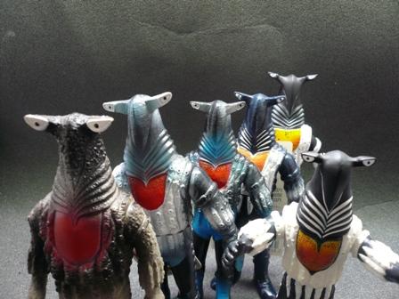 File:Alien Pegassa toys.jpg