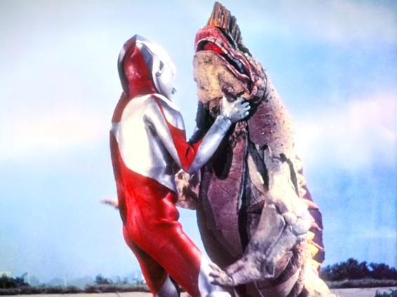 File:Ultraman vs Gavadon.png