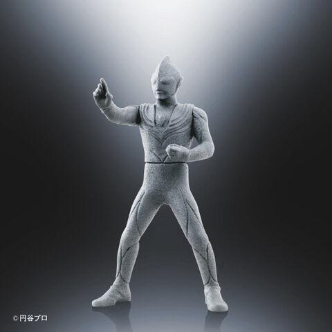 File:P-Bandai-Ultra-Hero-500-Tiga-Statue-ver.jpg
