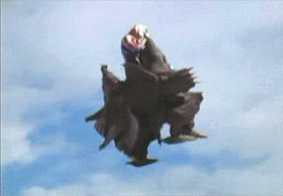 File:Zombayu vs. Ultraman Dyna4.jpg