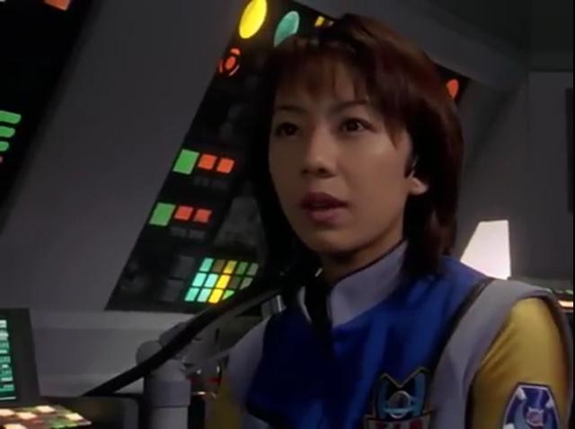 File:Atsuko looks at Agul.png