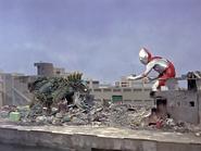 Ultraman v Guesra