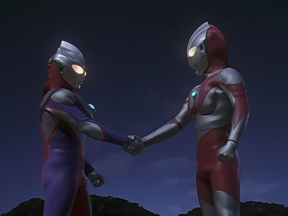 File:UltramanTiga&UltramanHandShake!.png