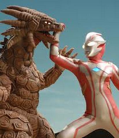 File:Salamadora v Ultraman Mebius.png