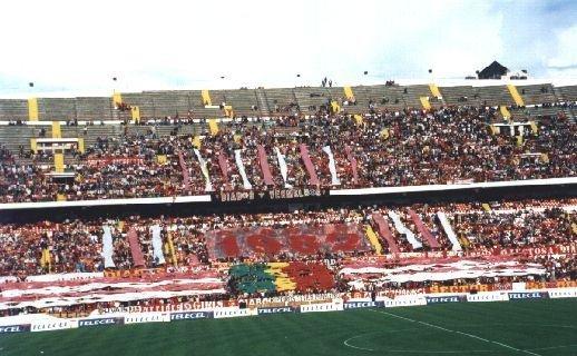 File:Diabos Vermelhos (Benfica).jpg