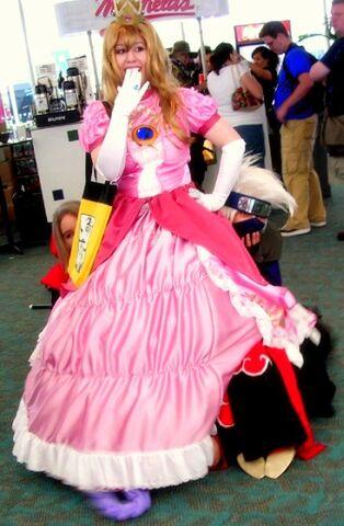 File:Peach s Dress by Nekochan33.jpg