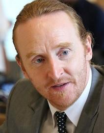 File:Tony-Curran in suit..jpg
