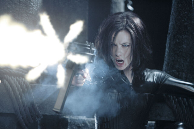 File:Kate-beckinsale-selene-underworld-evolution-4.jpeg