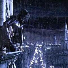 Selene in the opening shot of <i>Underworld</i>.