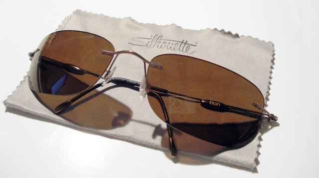 File:Optiek Lunar - 800px-Silhouette sunglasses.jpg