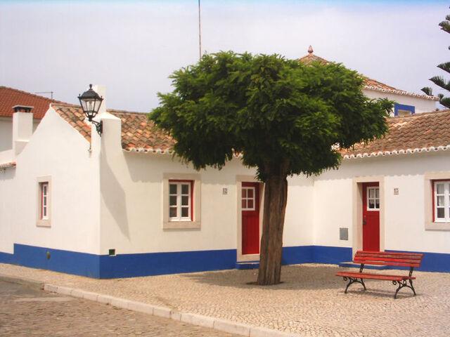 File:Emmanuelbad houses.jpg