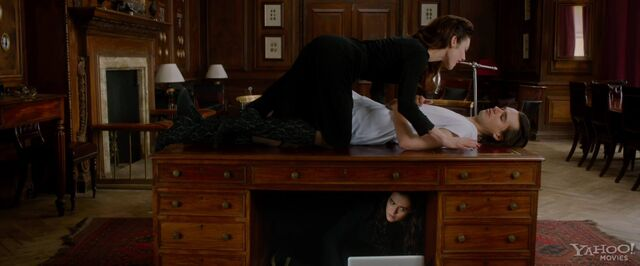 File:Jesse and Mia and Rose under desk.jpg