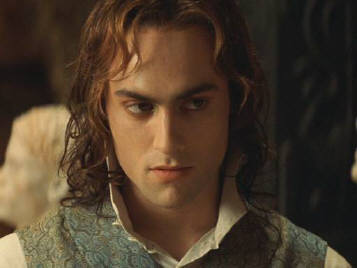 File:Lestat-queen-of-the-damned-29320236-357-268.jpg