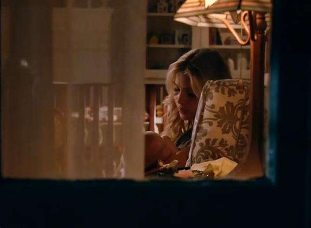 File:Rebekah-and-hope-in-season-2.jpg
